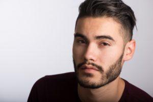 髭のイケメン外国人